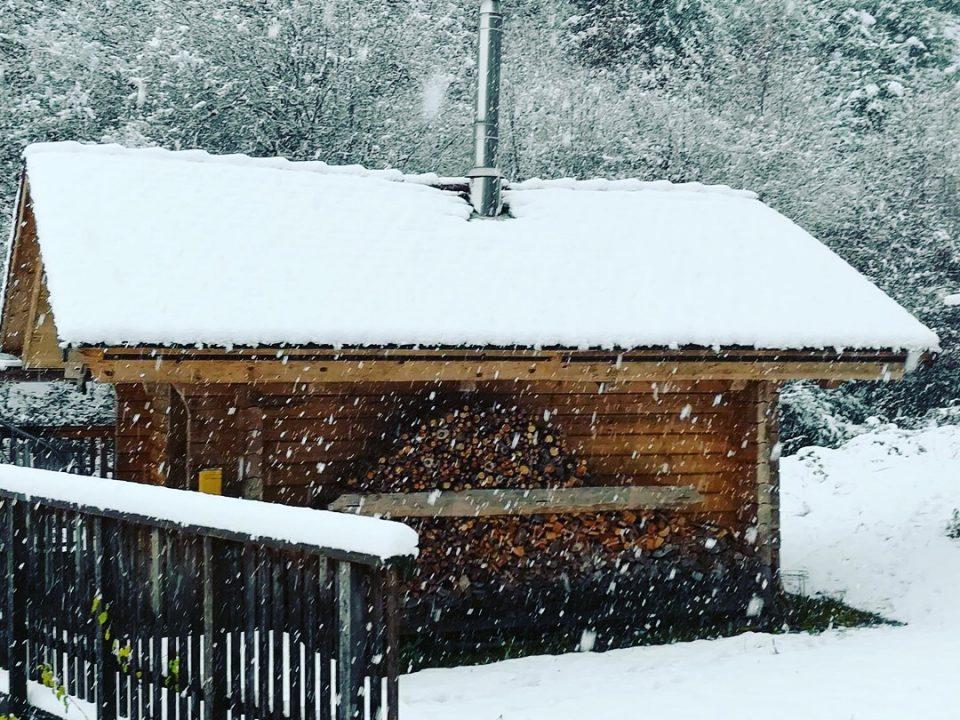 Köhlerhaus-Blockhütte-winter