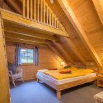 jga-schwarzwald-holzhaus-schlafzimmer-obergeschoss
